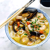 Soupe spéciale maison épicée aux fruits de mer